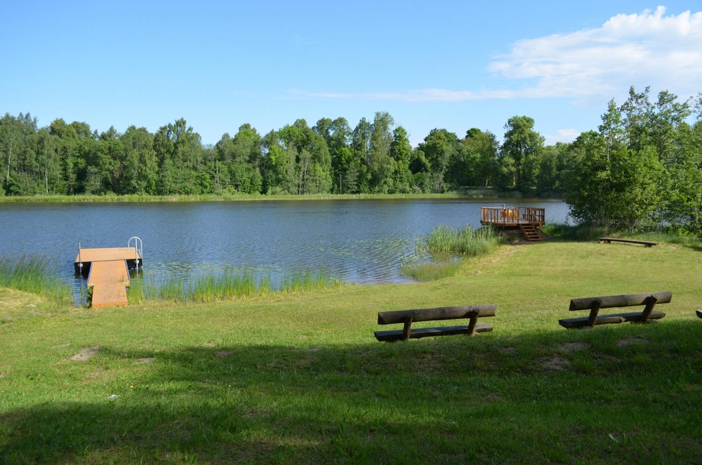 Pļavu ezera sporta un atpūtas bāze